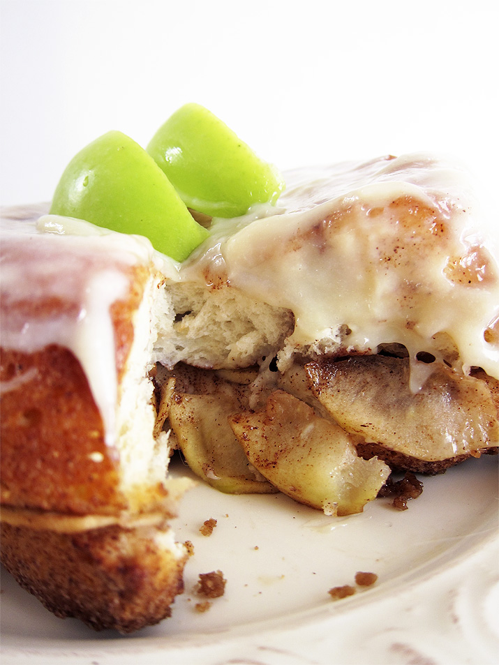 Apple Monkey Bread with Maple Cream Cheese Glaze – Eat ...