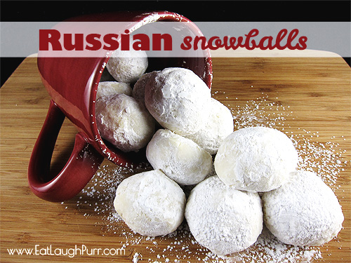 Russian Snowballs or Mexican Wedding Cookies from www.EatLaughPurr.com #ChristmasCookies