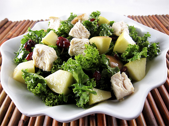apple kale salad with chicken