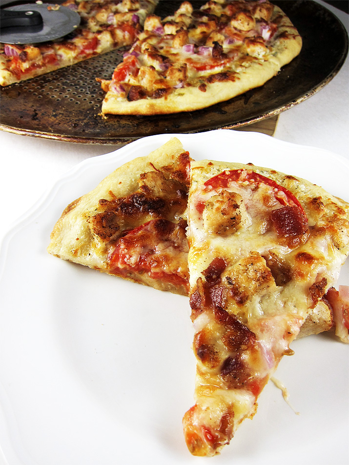 Ranch Chicken Pizza with Bacon and Tomatoes. This will be a family favorite!