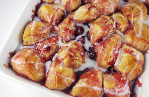 Cherry Bubble Dessert with Cream Cheese Glaze