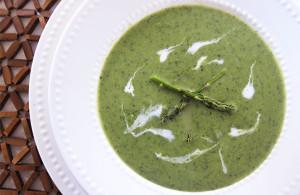 Creamy Asparagus Soup | www.EatLaughPurr.com