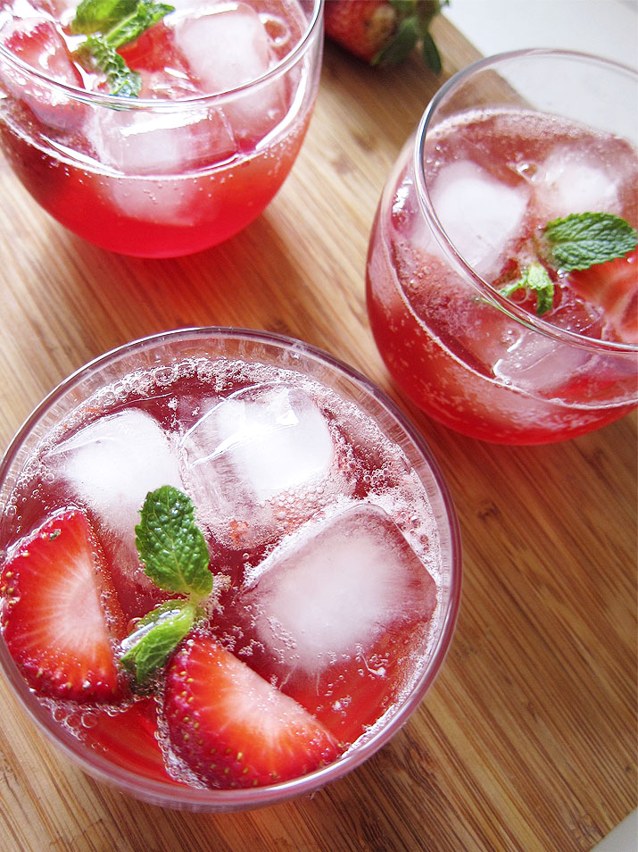 Sparkling Strawberry Lemonade Punch